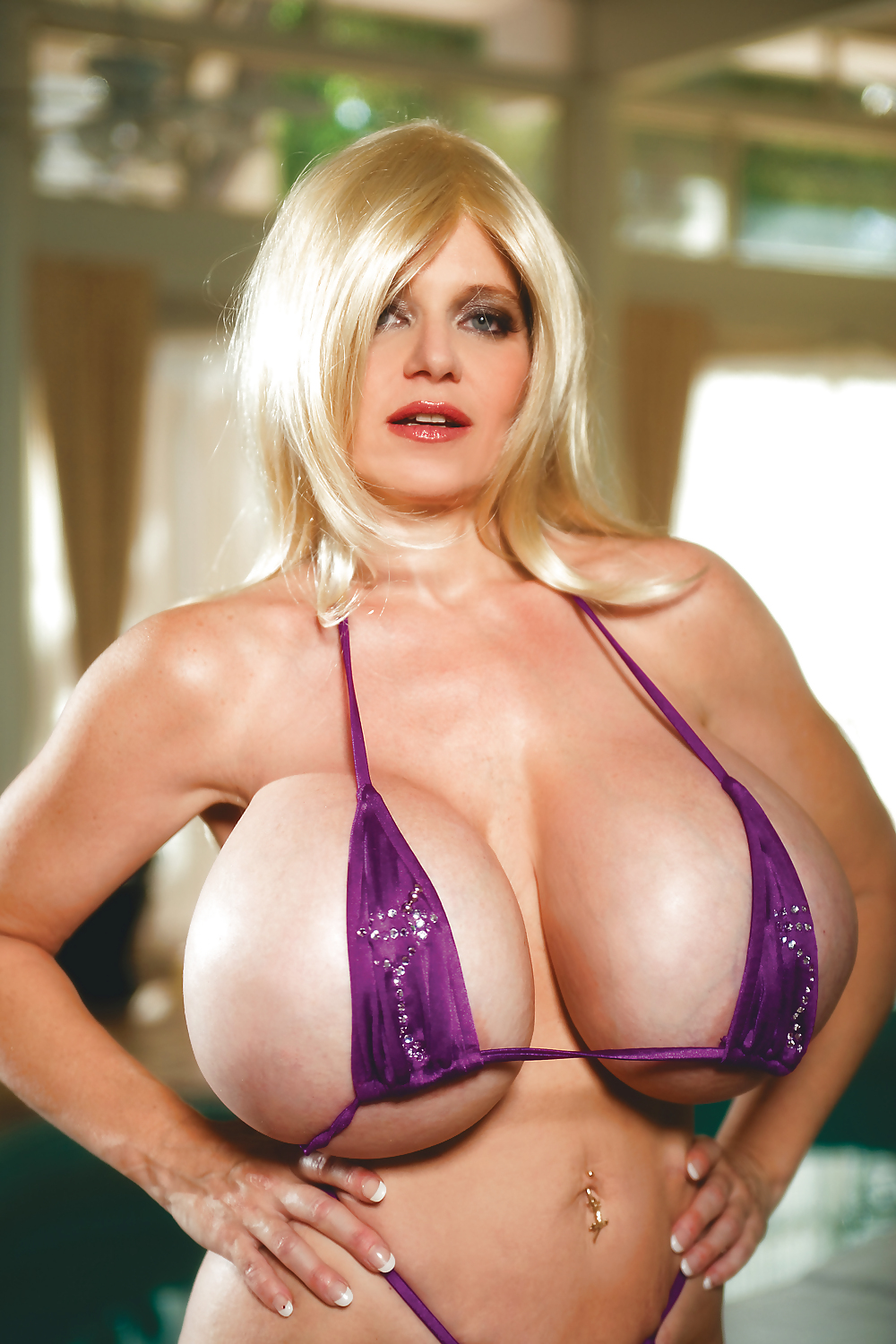 Deena Huge Fake Tits - 12 Pics - Xhamstercom-6465