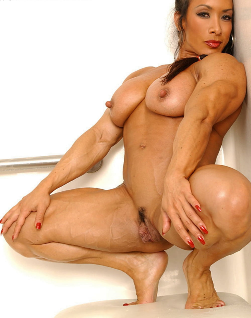 davina-muscle-pussy-nude-pic-of-beautiful-pinay