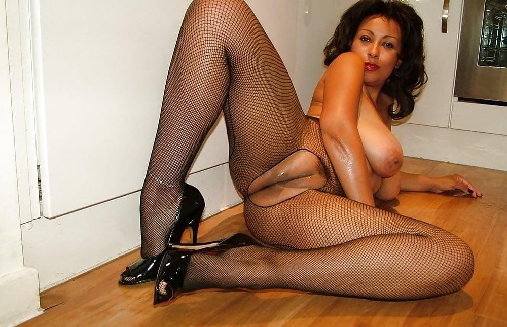 Milf high heels stockings