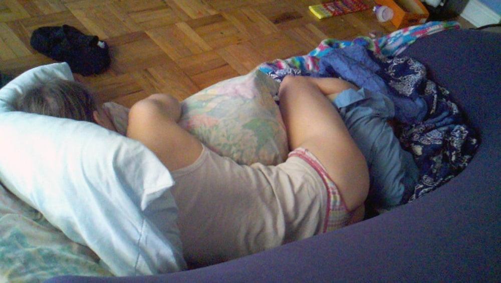 реально ебу спящую жену домашнее онлайн смог