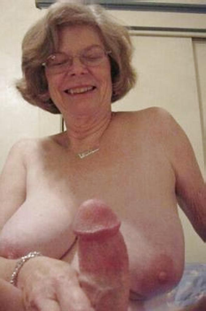 naked-grannies-gifs