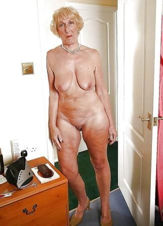 Fotzen bilder granny Granny Pics,
