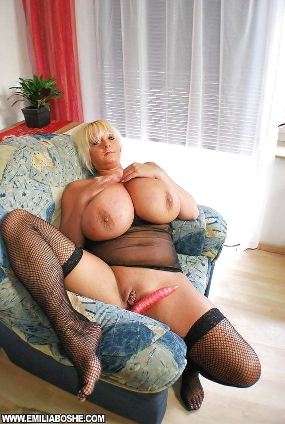 Фото порногалереи зрелых и перезрелых дам с огромными сиськами себе вообразить