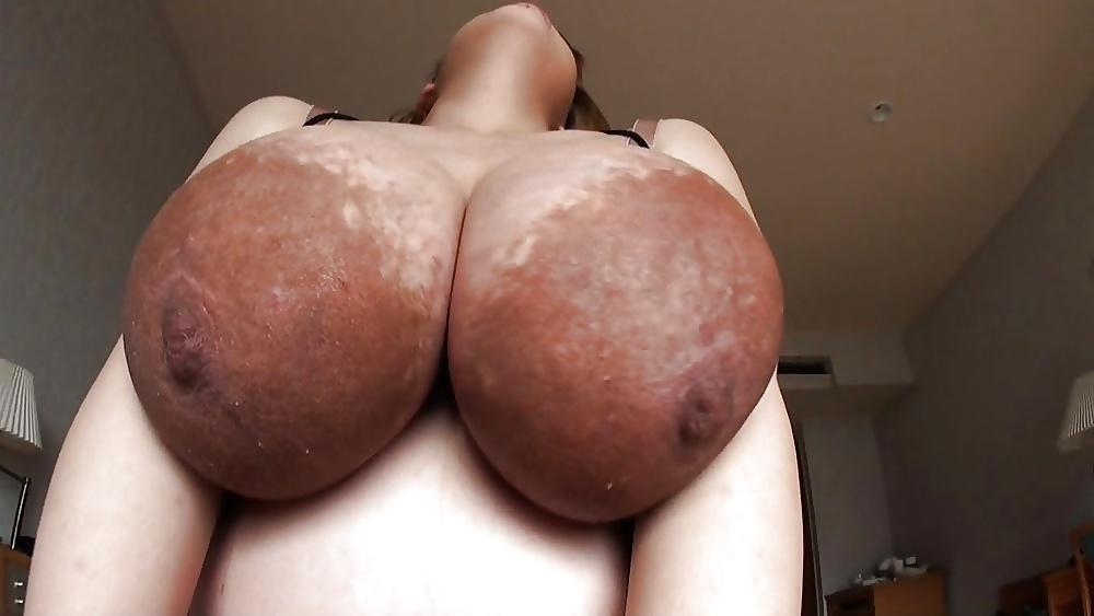 chernie-oreoli-porno-foto-roliki-bolshie-oreoli-grudi