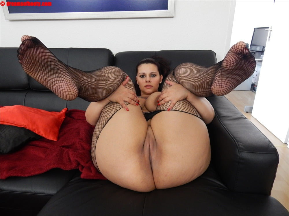 slut-thick-booty-girl-s-porno-panties-mature