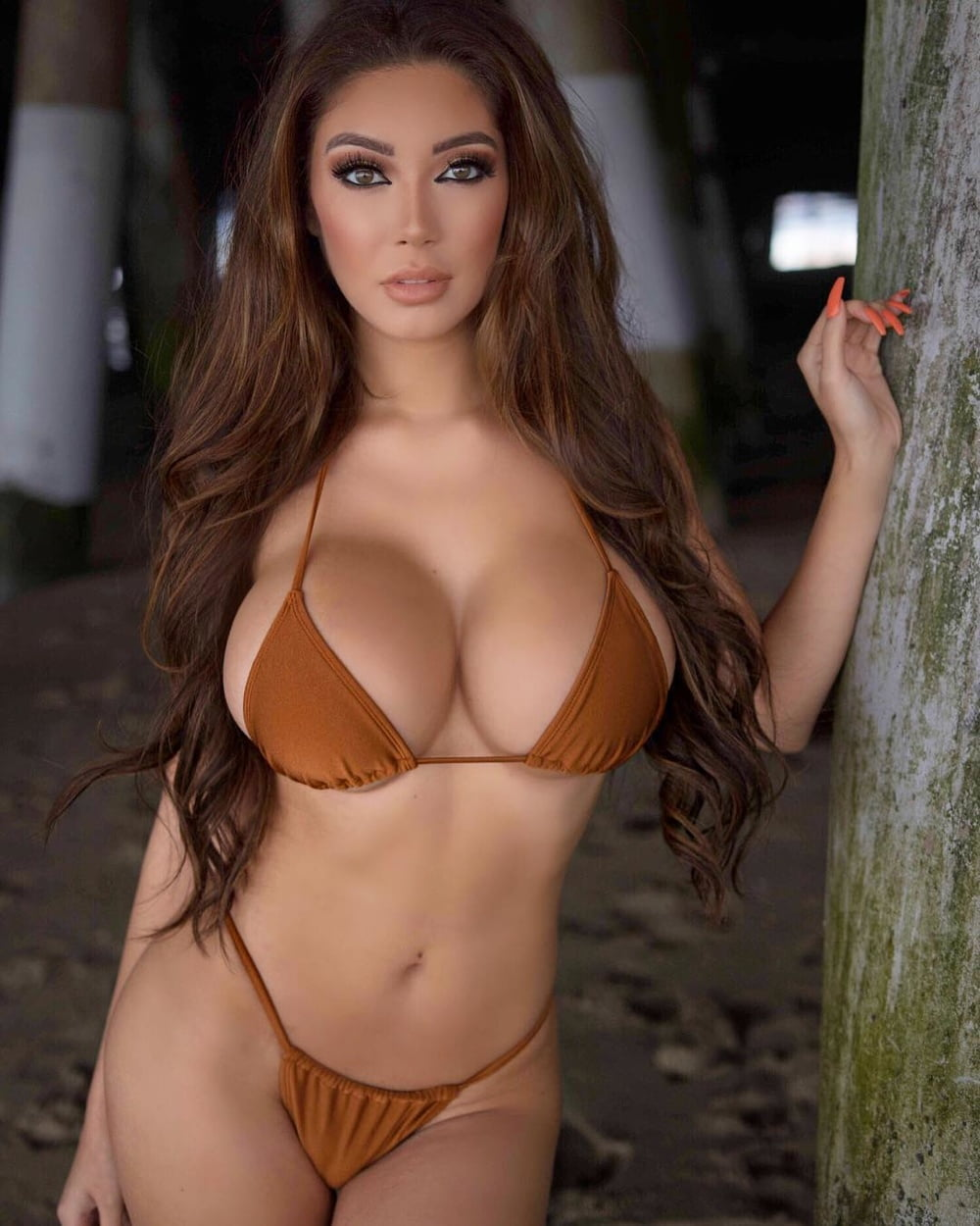 escape-from-busty-babe-land-christmas-sexy-babes