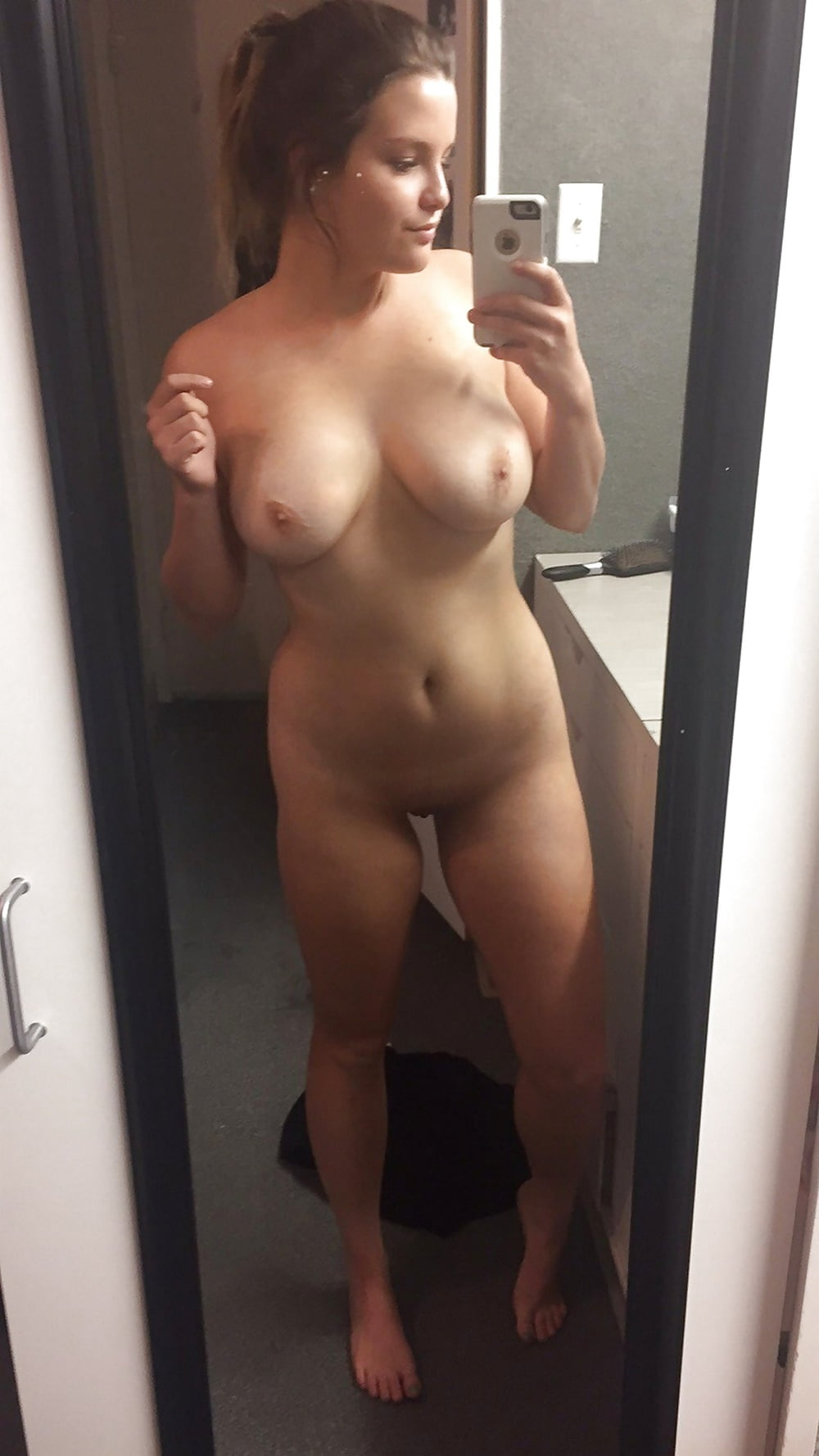 Betit naked girls taking pictures in the mirror mature orgasm tattoo