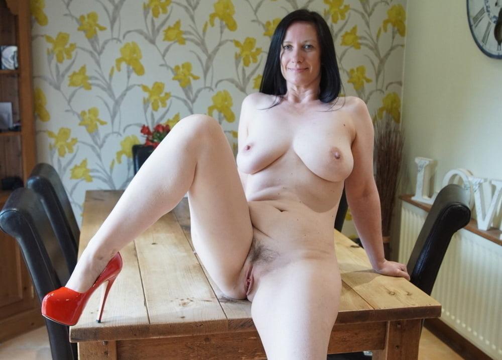 Women - 52 Pics