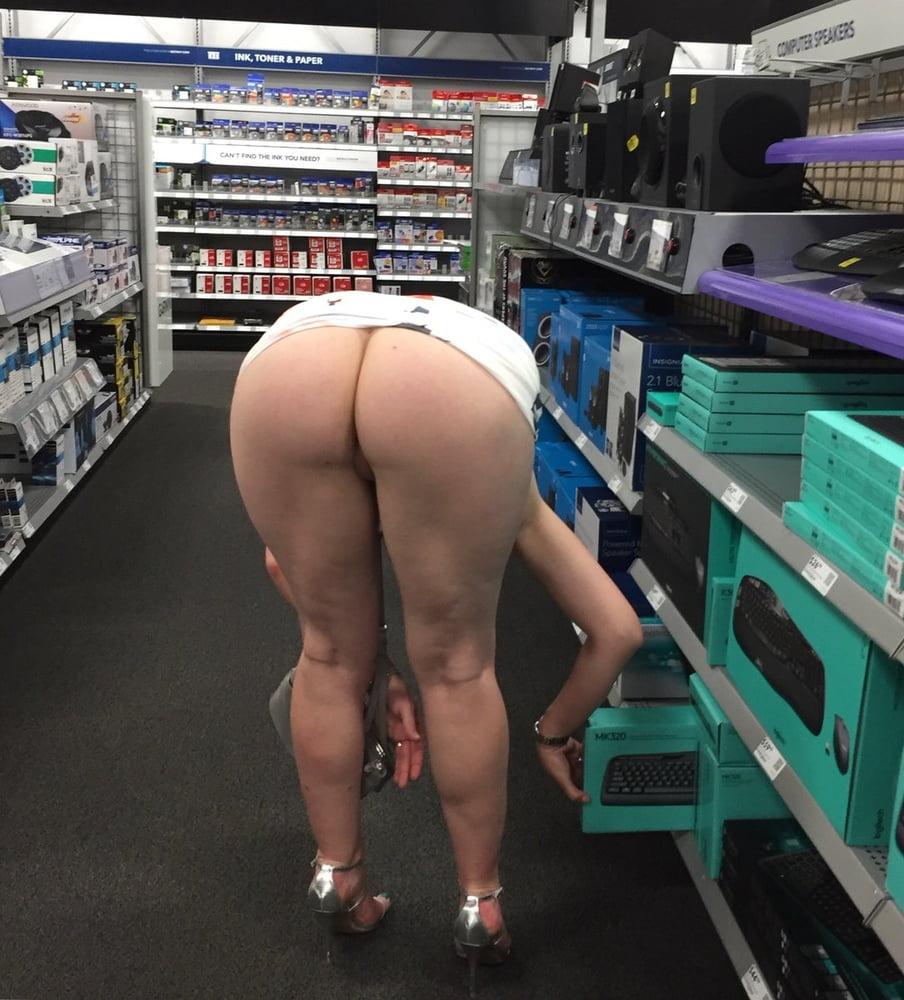 Big Booty In Public Prank