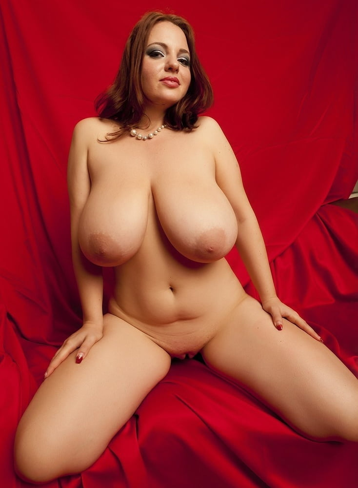 big-boobs-cell-nude
