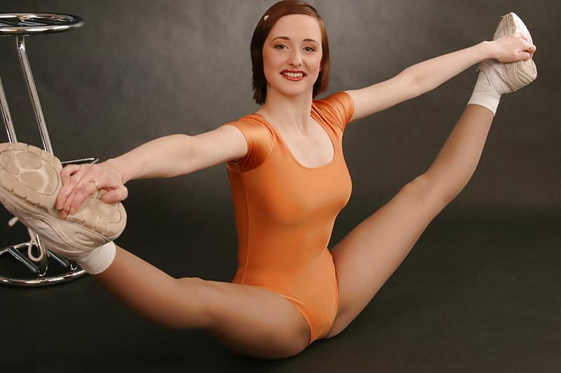 скоро фото сексуальные гимнастки частном