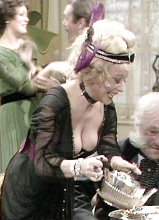 Barbara Windsor Nude