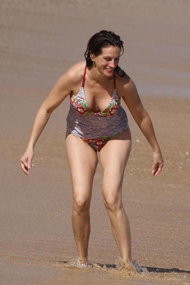 Julia Roberts Boobs