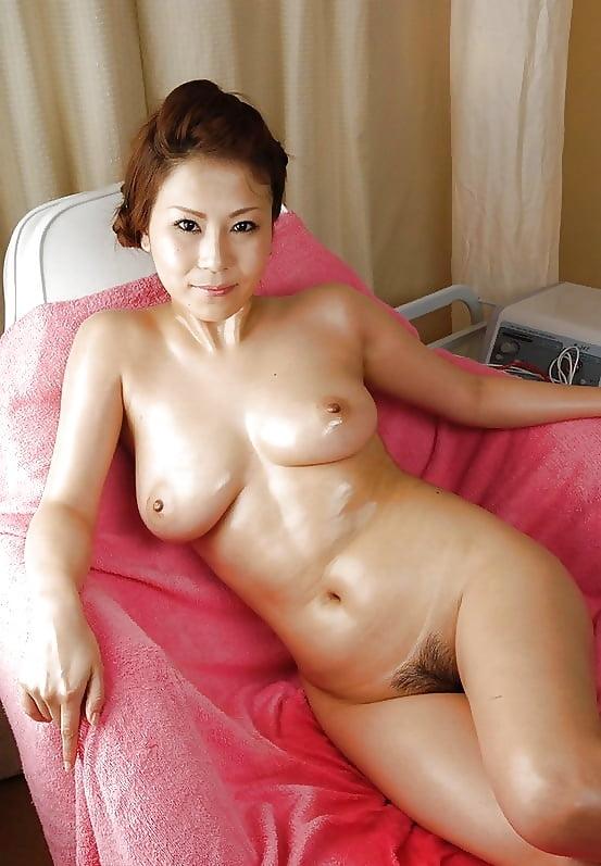 Зрелая голая японка — pic 8