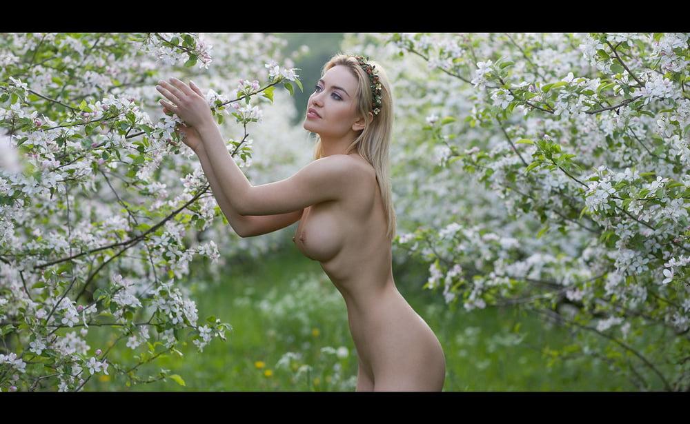 Superstar Slavic Nude Images