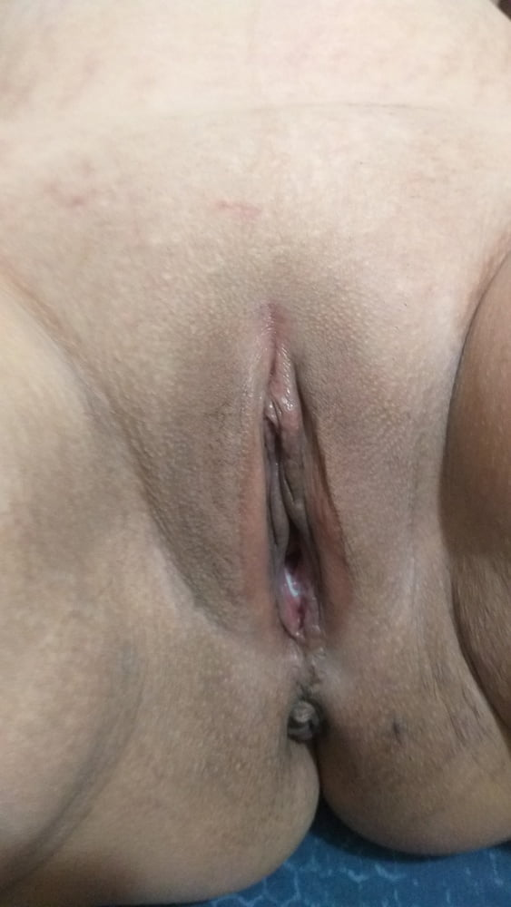 Close up with new pink dildo - 5 Pics