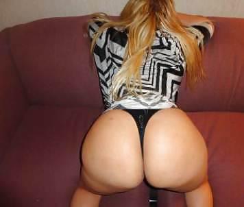 Naked ass pussy upskirt