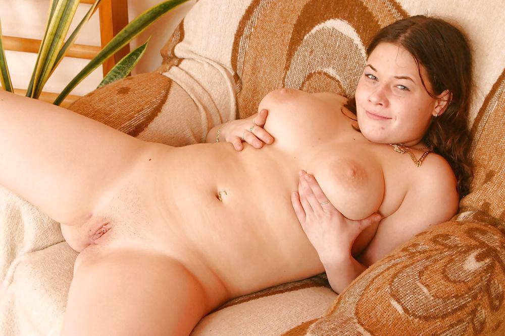 chubby-young-xxx-big-black-cock-sucking
