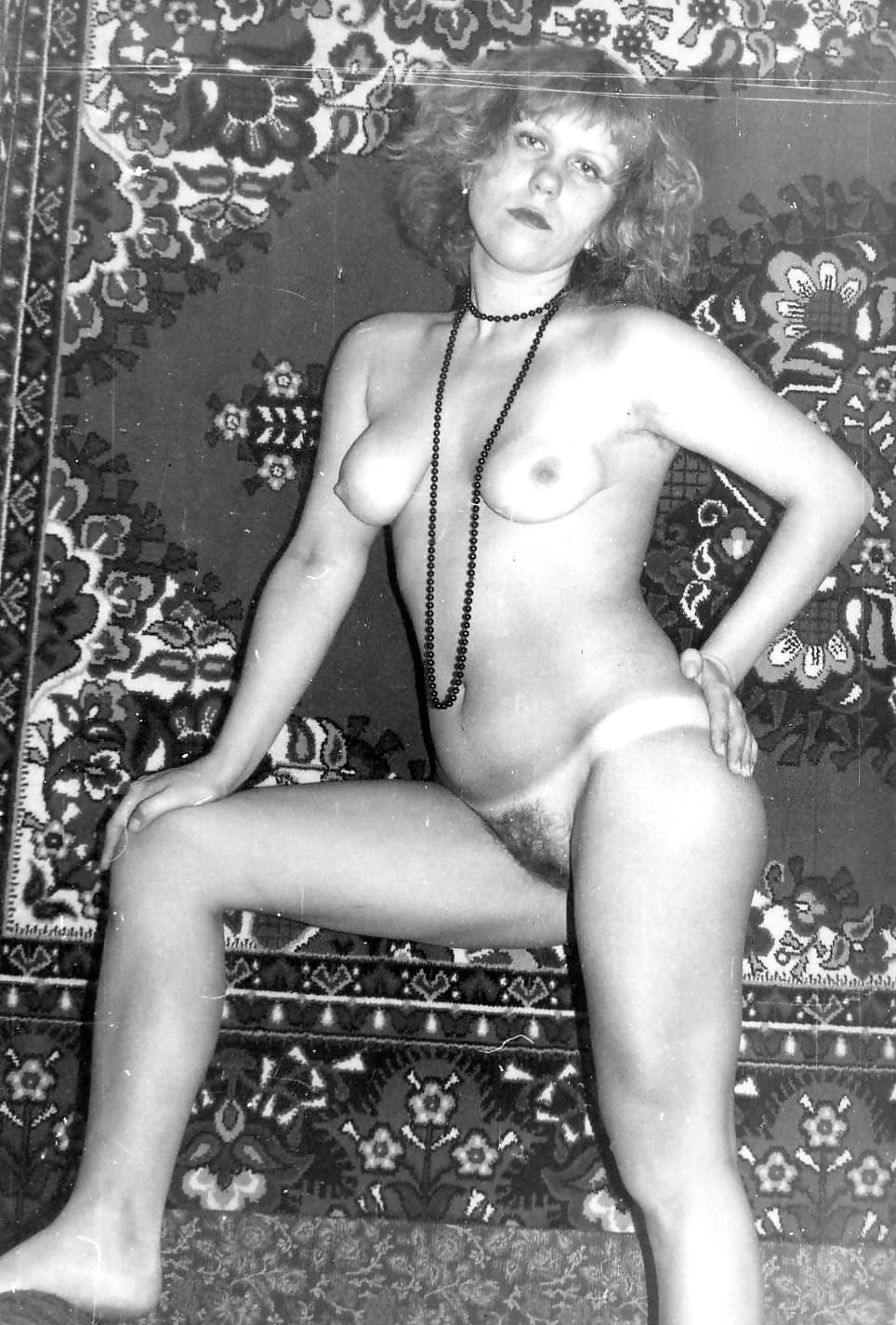 помню ретро фото голых русских женщин в доме отдыха столкнулся