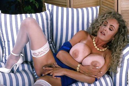 Mounds nackt Melissa  Melissa Mounds