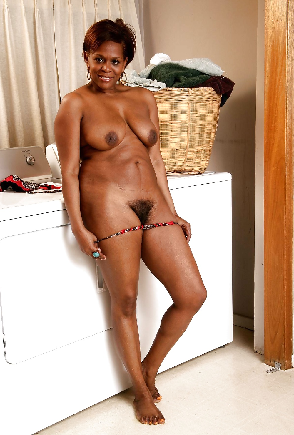 just-nude-ebony-mature-pics-amatuer-slow-deep-blow-job