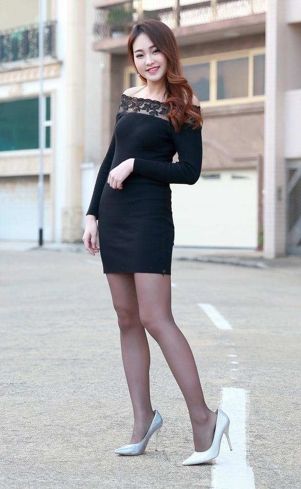 Skinny Japanese GF in Black Pantyhose - 14 Pics