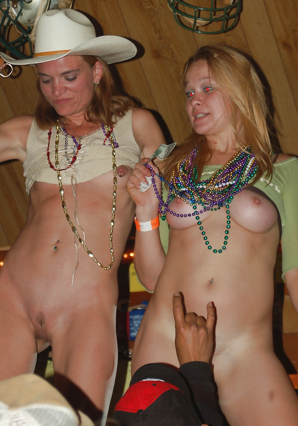 Nude indian bar dance