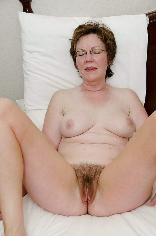 Hairy Grannies Spread Eagle - 20 Pics  Xhamster-7565