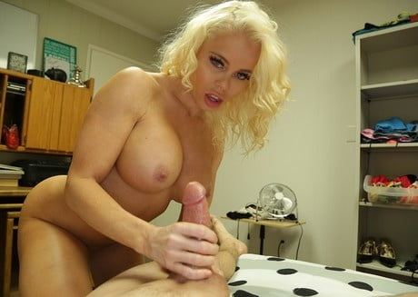 Hot Cougar Nikki Dont Tell Your Father Mylust 1