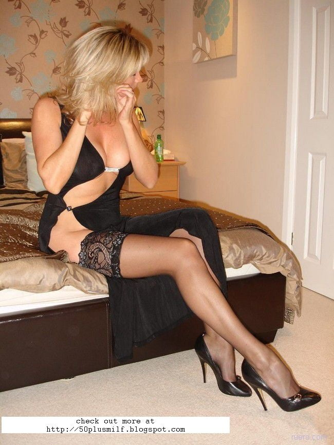 Sexy mature wife pictures-4689
