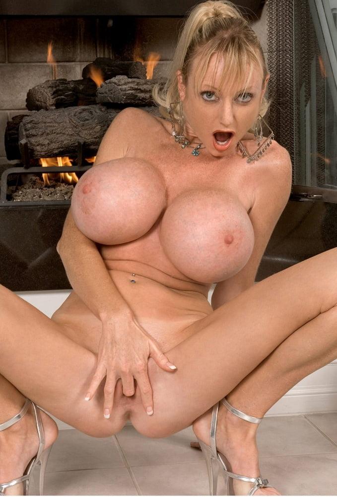 порно женщины с силиконовой грудью лидии муркины