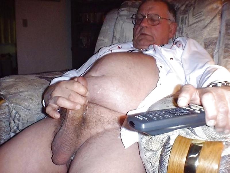Толстые мужчины онанируют