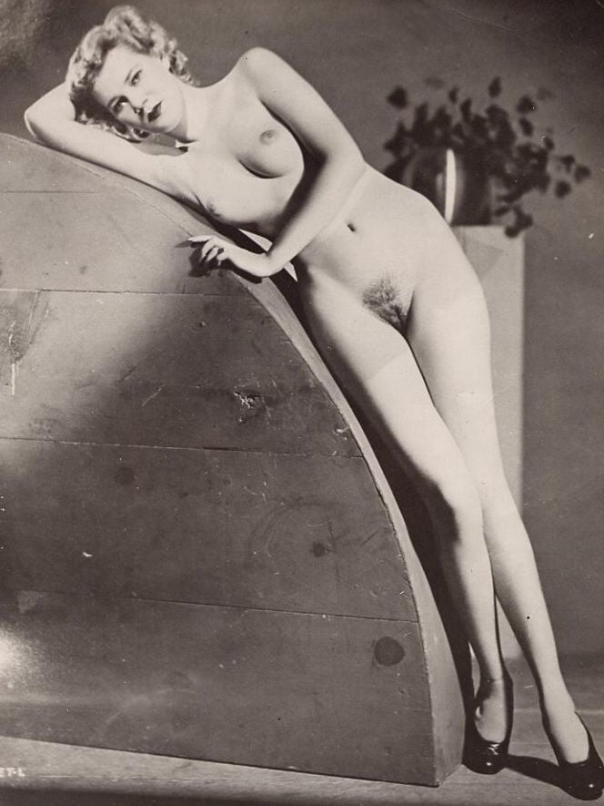 nude-women-of-the-past