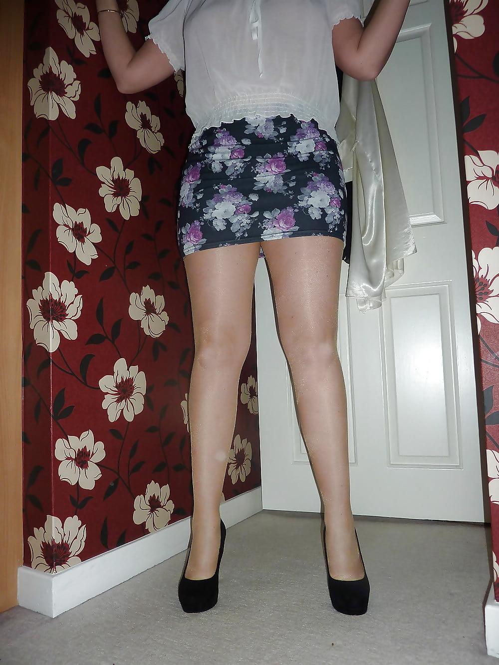 misterfake english barmaid reveals impressive tits in fake
