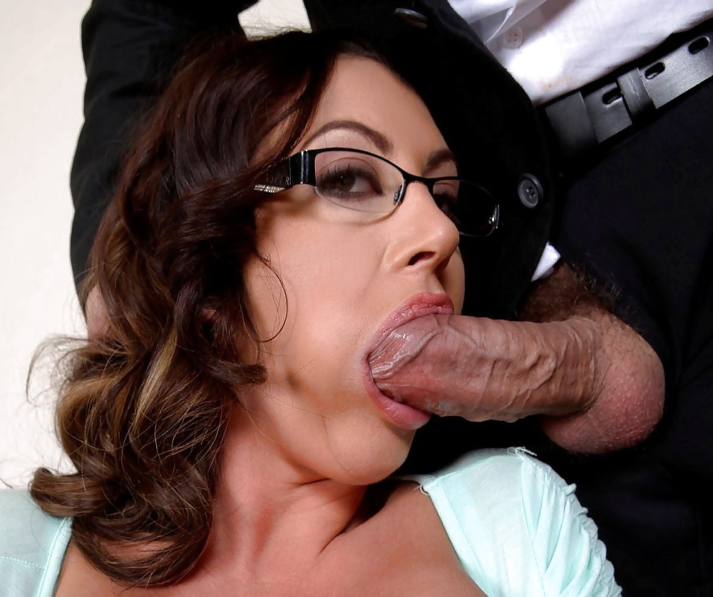 Amateur milf toying both holes and sucking dick