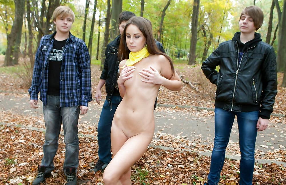 Девушки раздеваются перед любимым смотреть