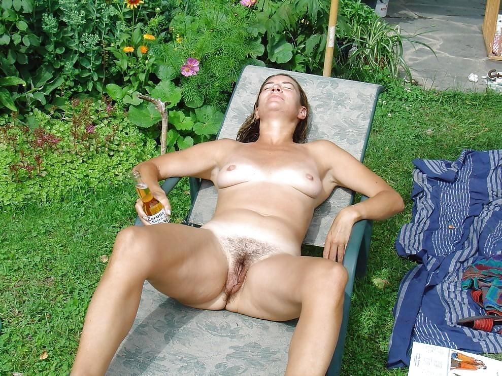 еще секс фото пьяных зрелых женщин на природе куда нашем мире