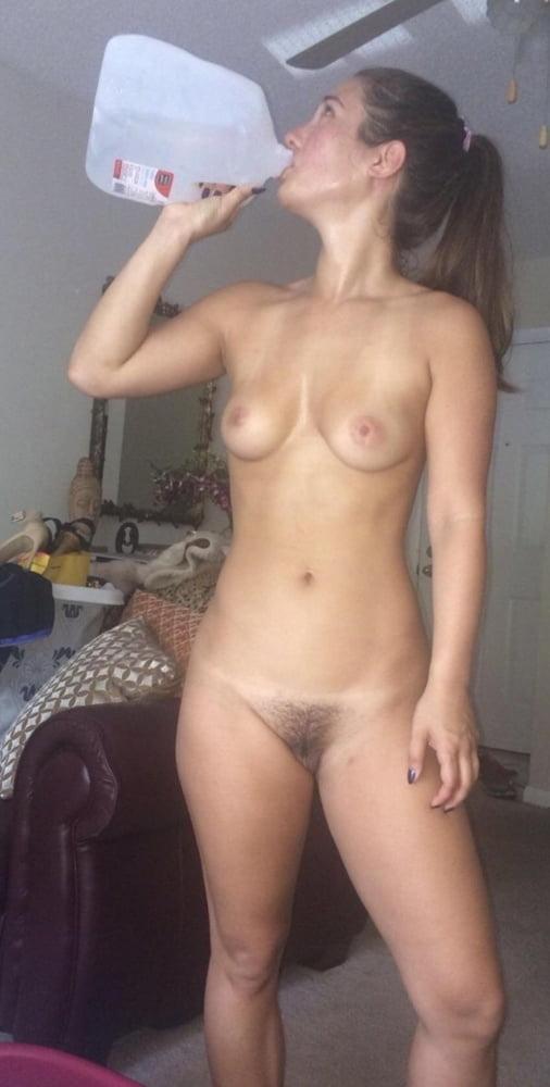 Gorgeous naked wife-8601