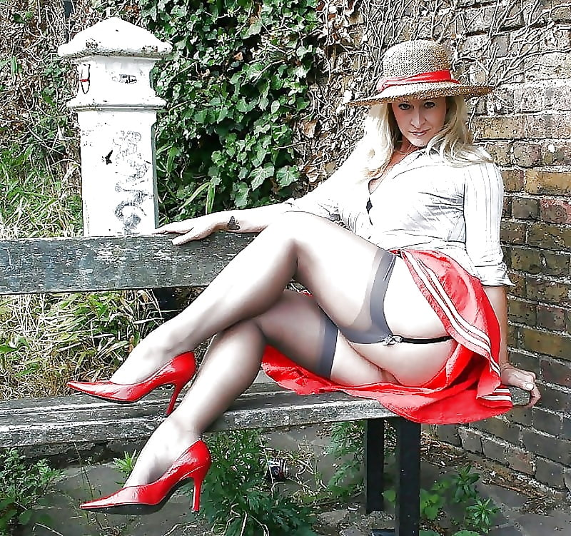 Get Fetish Lady Jessica Russell Walking In Mini Skirt And Stockings Xxx For Free