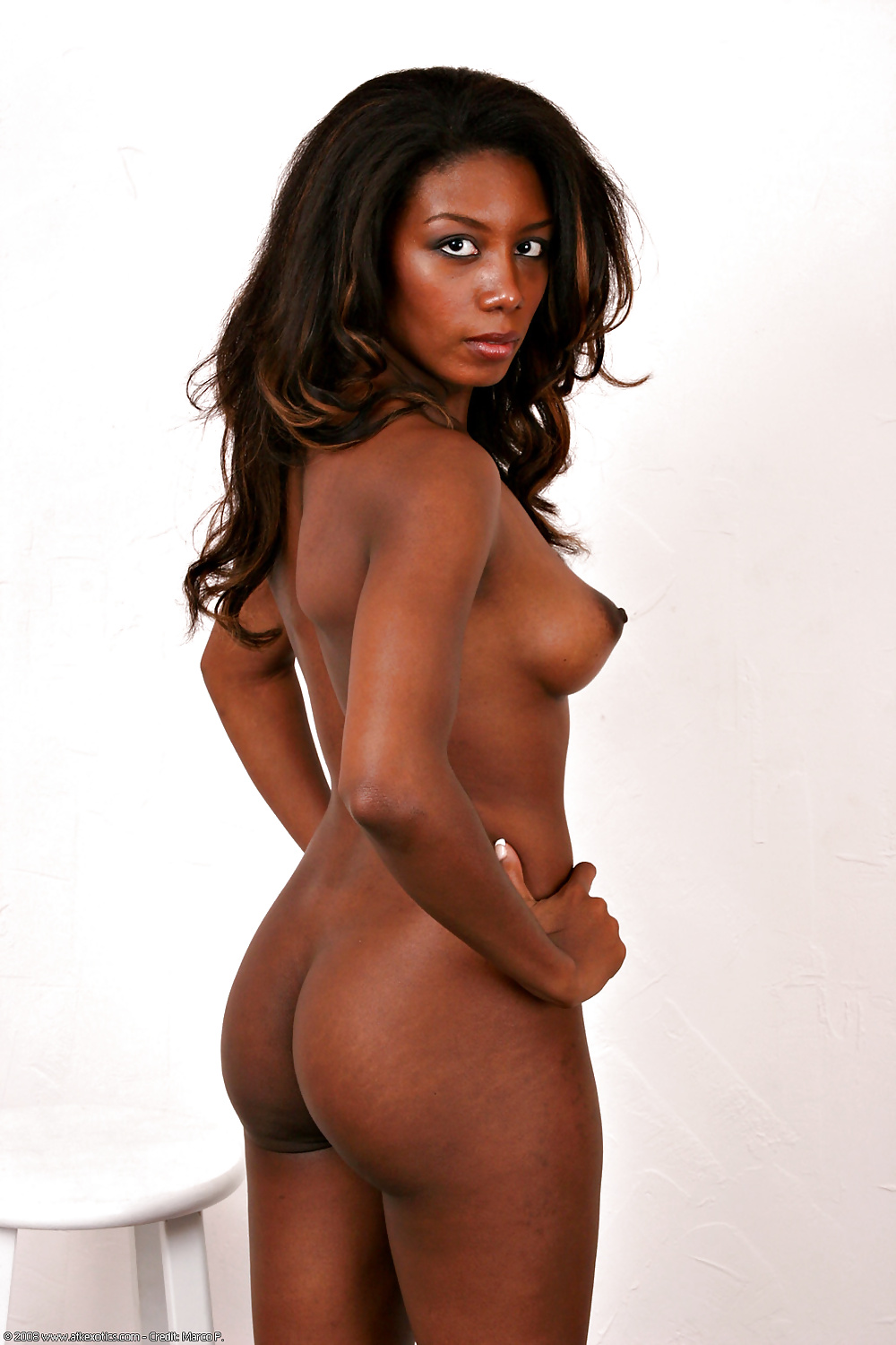 lads-naked-ebony-queen-busty-uniform