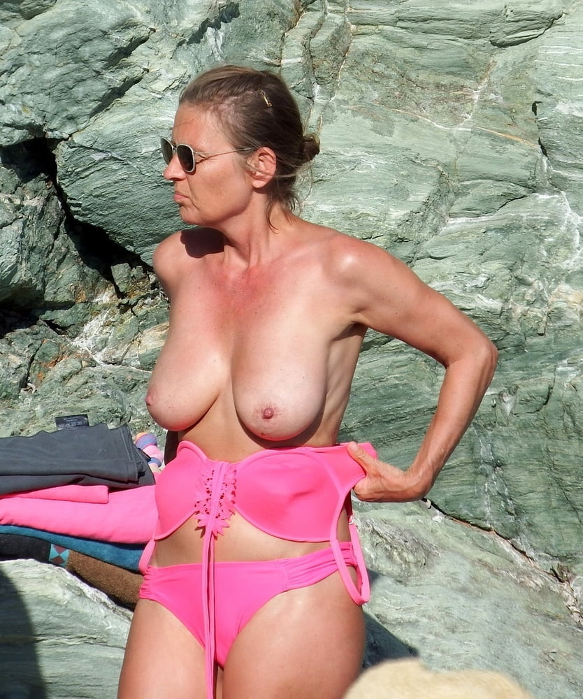 Pictures naked milf Amateur Milf