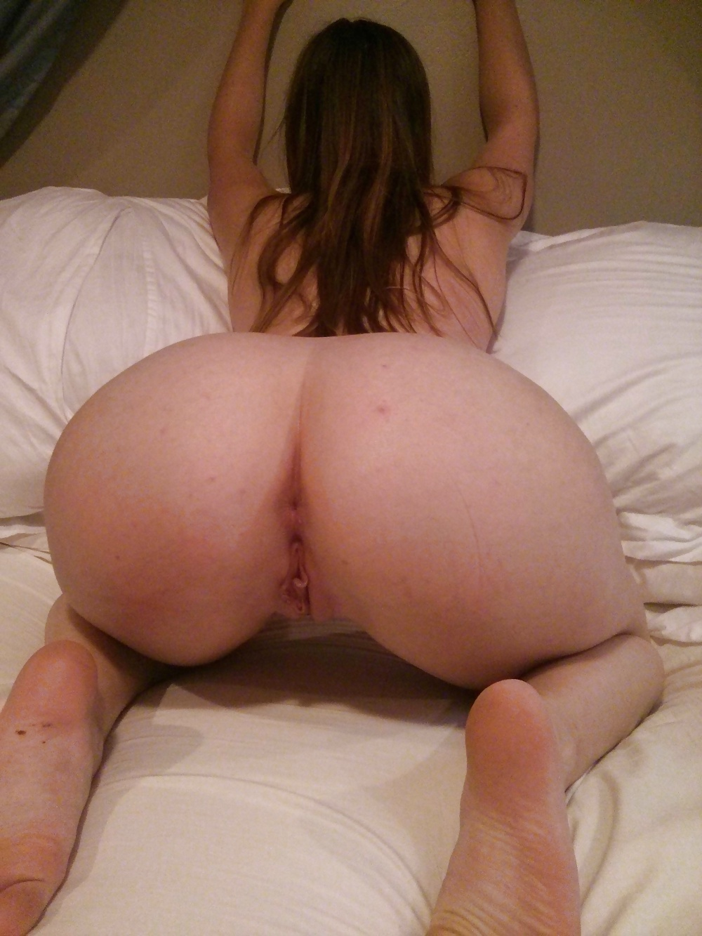 White girl pussy and butt