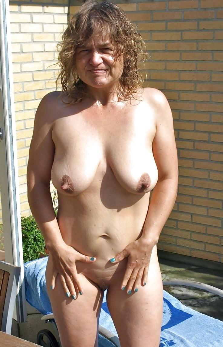 Beautiful saggy boobs mature nude pics