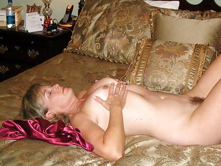 Big boob lesbian pic