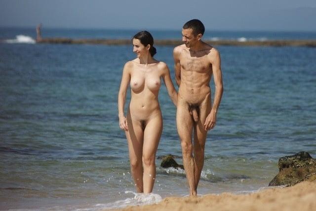 Naked people sex on beach — img 12