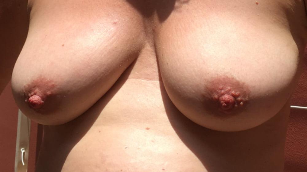 Girlfriends tits - 12 Pics