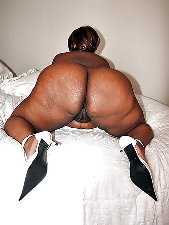 Porno photo Bride upskirt voyeur photo