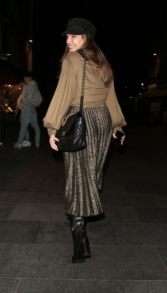 Female Celebrity Boots & Leather - Kelly Brook- 18 Pics
