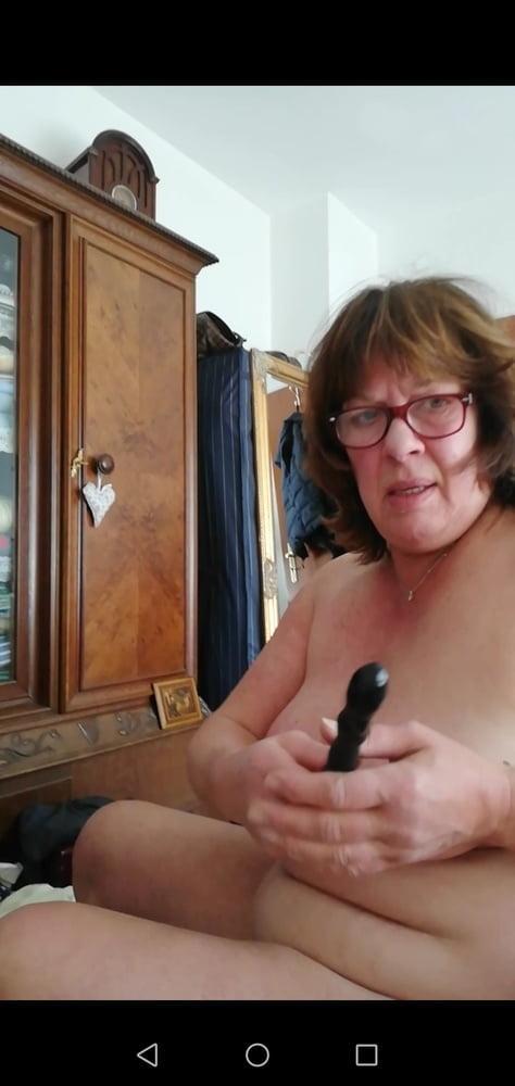 SEXY, BEAUTIFUL OLDER LADY