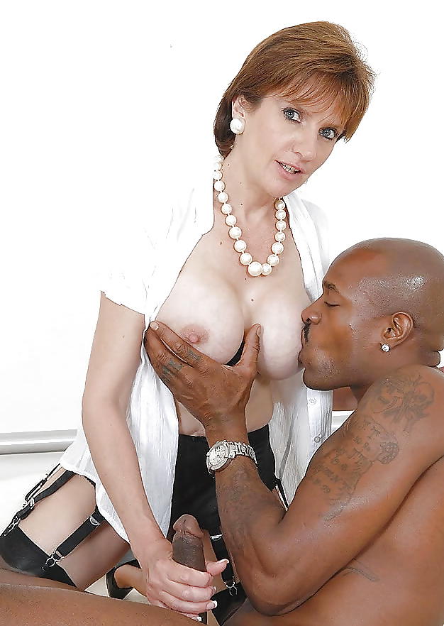 Hot lady sonia interracial with bbc free porn pics